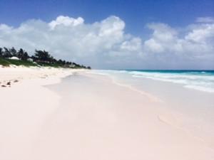 バハマ  エルーセラ島のピンクサンドビーチ