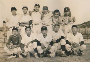 昭和30年頃の多治見高校野球部のもの
